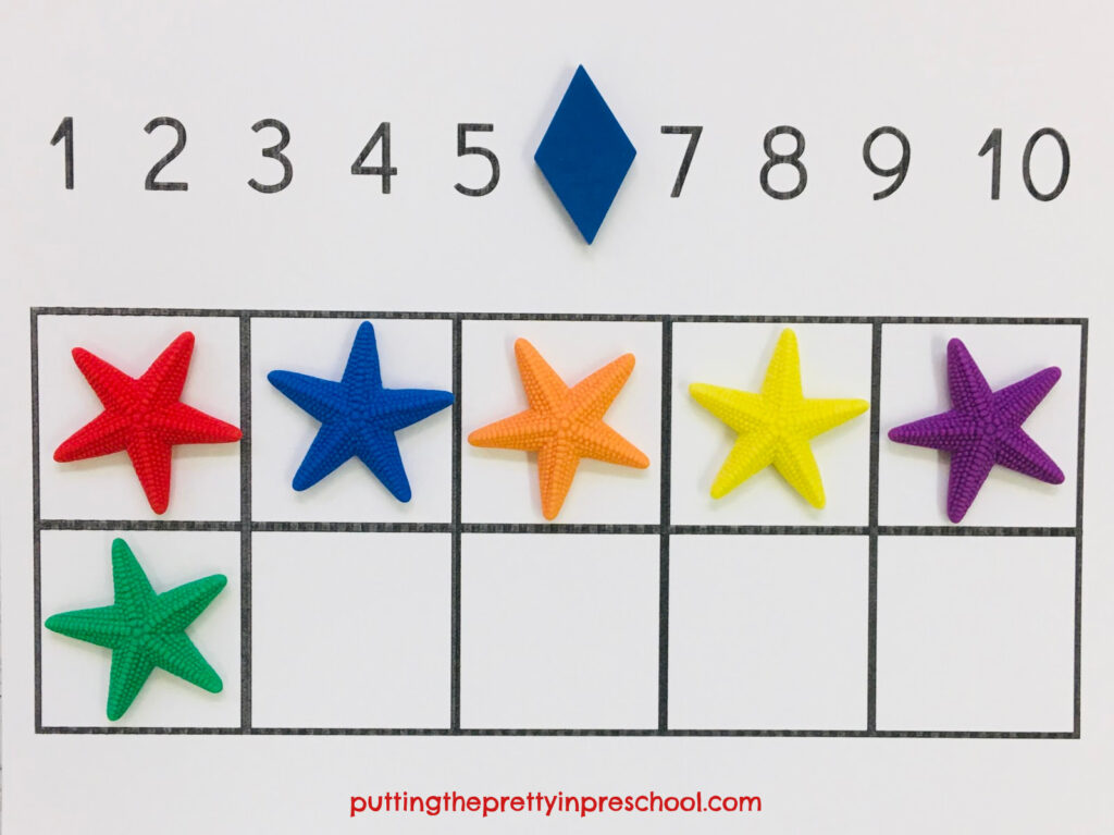 Sea star counting on a ten frame. This activity is also ideal for color recognition.