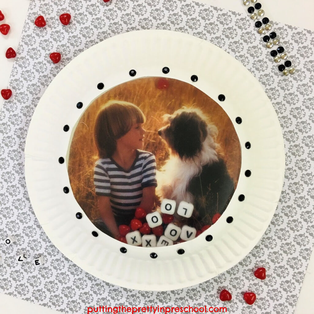 This paper plate ocean drum can be personalized with a picture of a family member and/or pet.